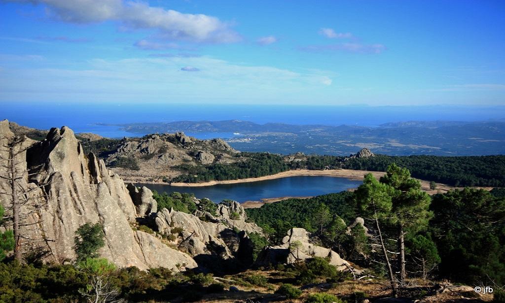 Le Barrage de L'Ospédale et le Golfe De Porto Vecchio